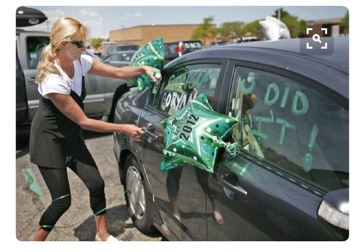 Seniors Car decorating | Senior pranks, Senior year pranks ...