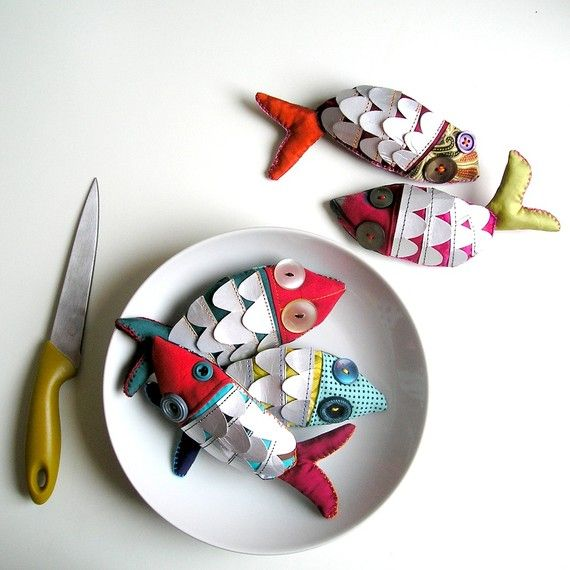 I just love these! pesce d'aprile fish brooch MADE TO ORDER by LaGomez on Etsy, €15.00
