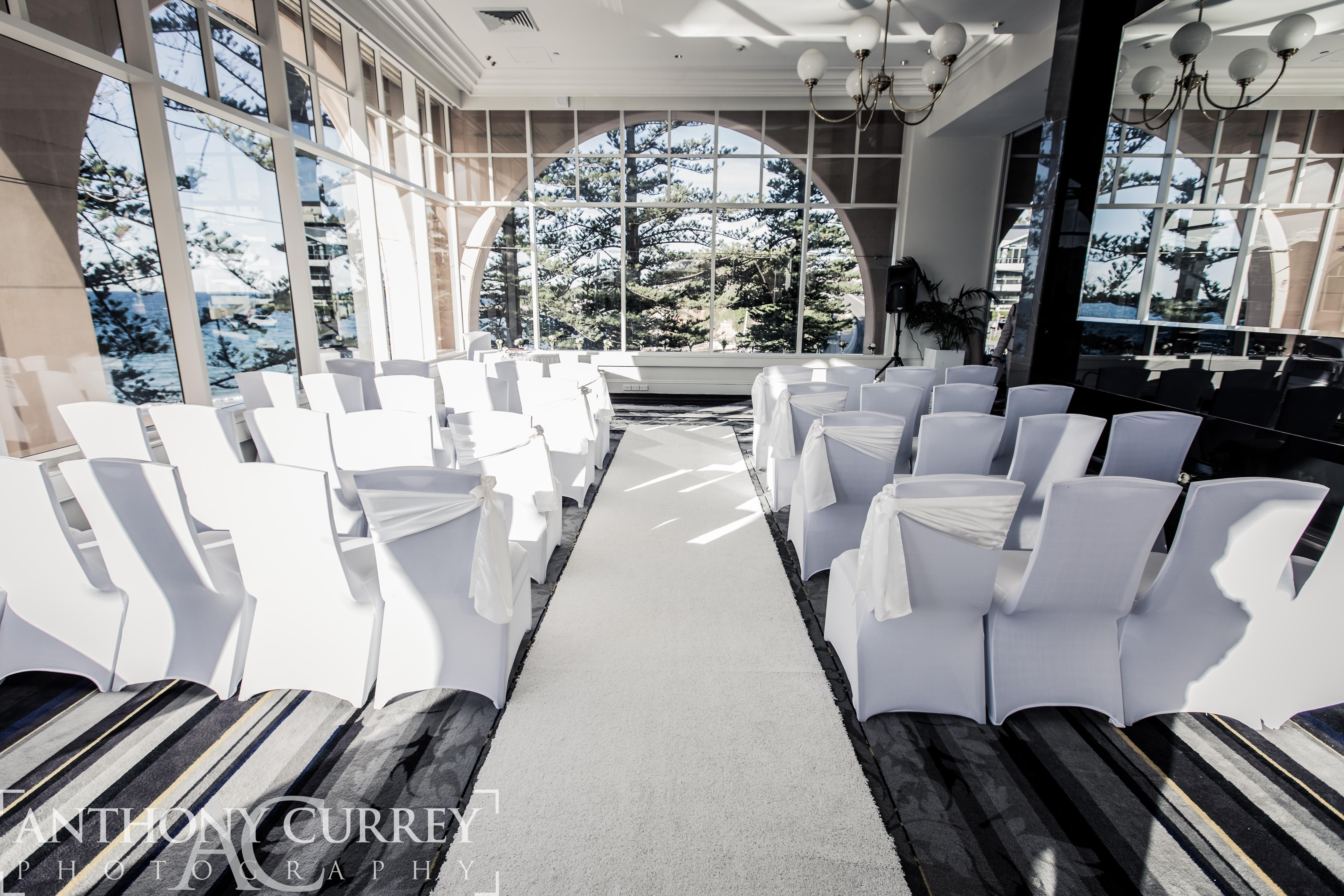 Jessica And Nick Are Married At Crowne Plaza Terrigal Decorations The Event Decorators Photography