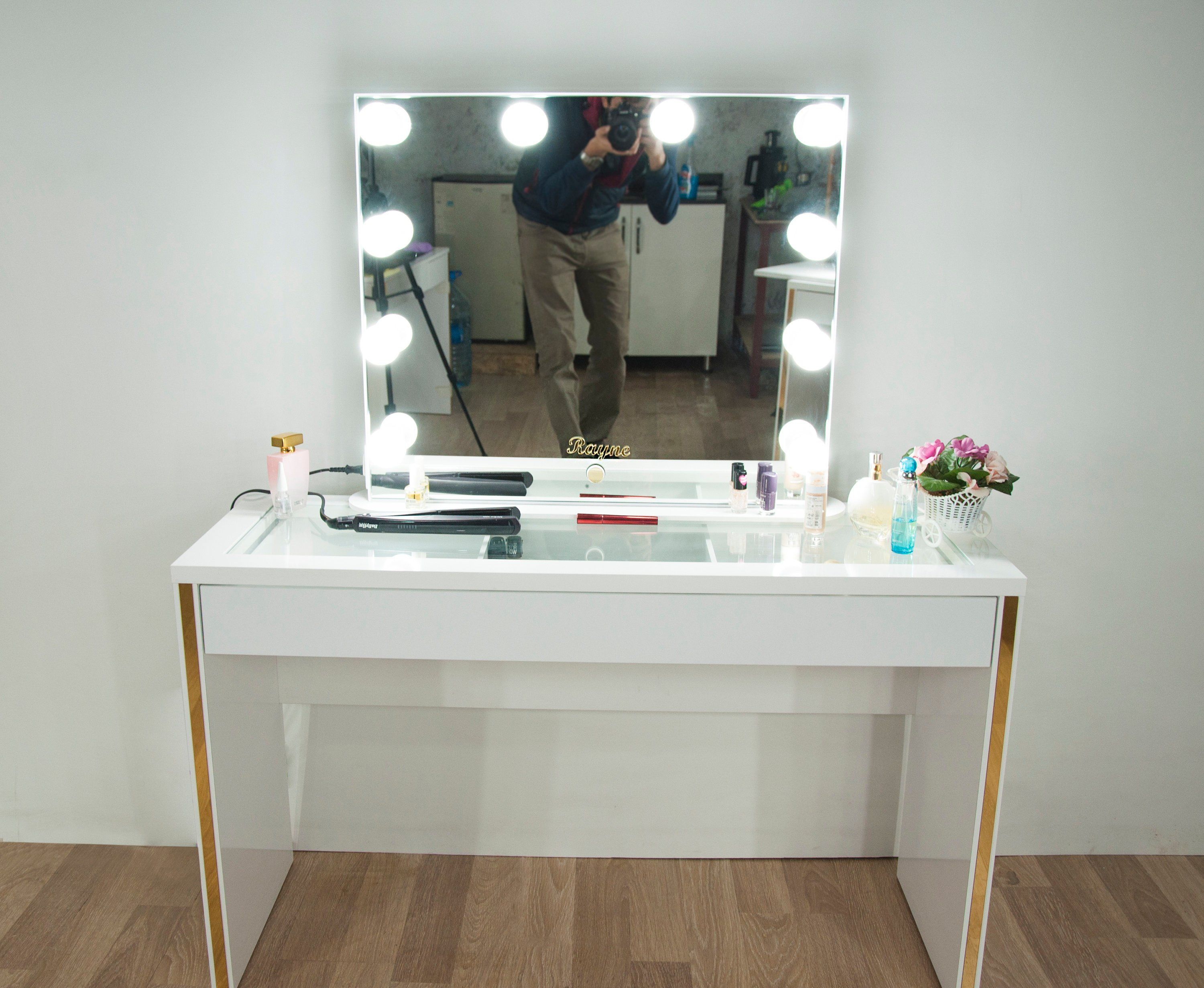 Hollywood Glow XL Pro Illuminated Vanity Mirror and Make
