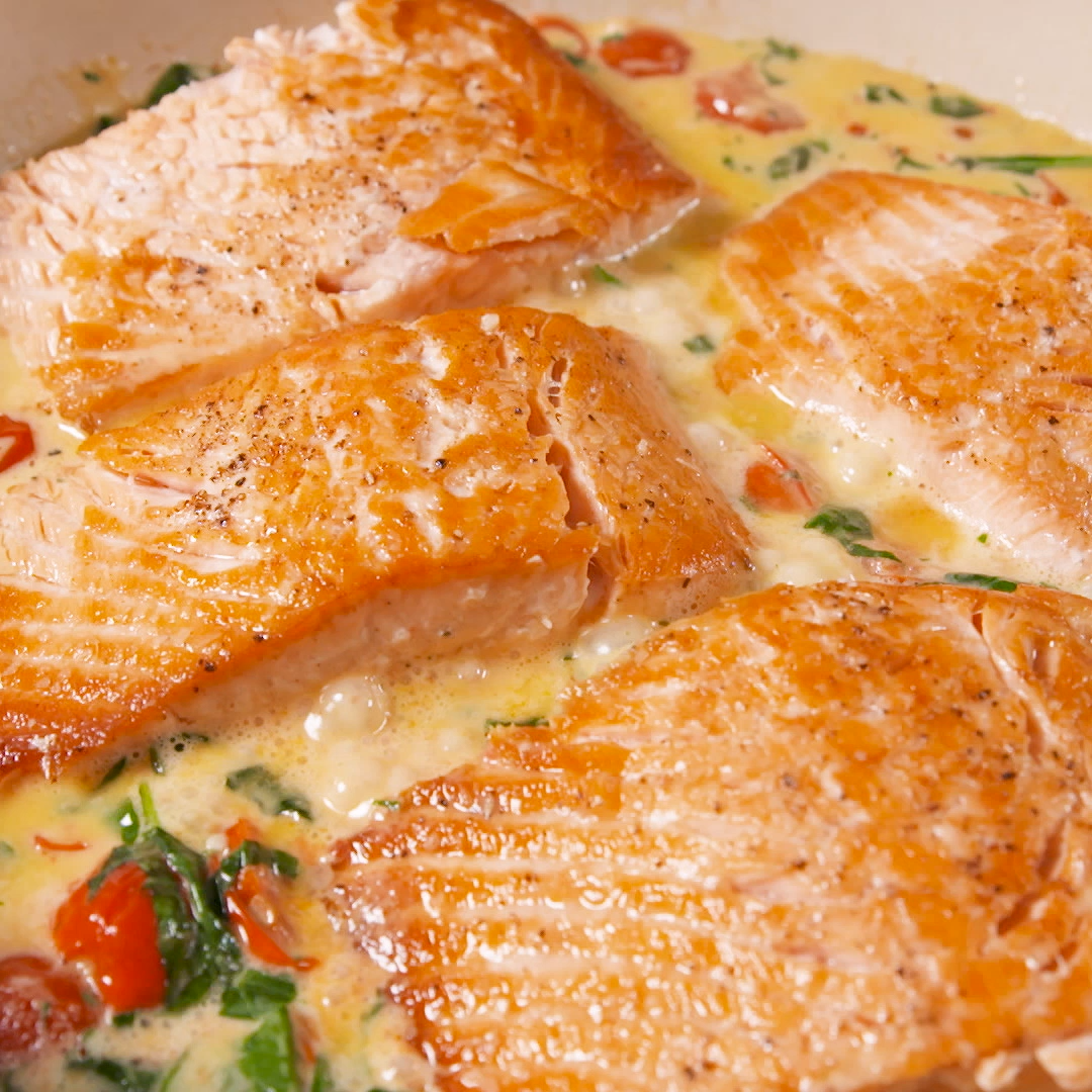 Tuscan Butter Salmon #tomatocreamsauces