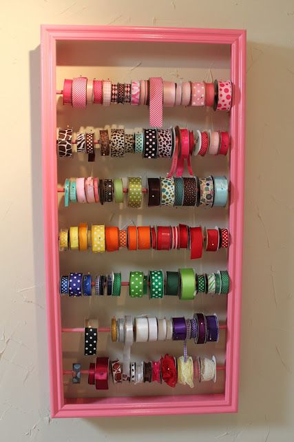 Love this crafty way to organize ribbon!