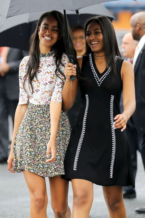Malia Obama Demonstrates How To Wear Florals In The Winter Malia And Sasha Malia Obama Obama Daughter,What Color Goes With Purple And Green