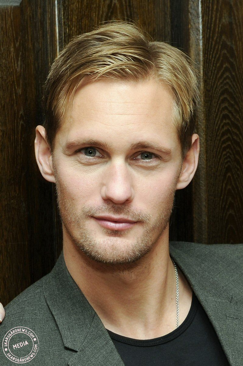 Alexannder Skarsgard Plays The Vampire Eric Northman On Hbo 39 S True Blood Place Innuendos
