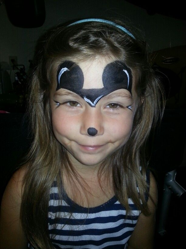 simple mickey mouse face paint for a quick design face. Black Bedroom Furniture Sets. Home Design Ideas