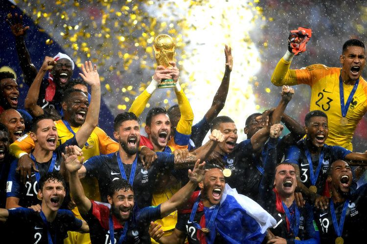 The World Cup Winning French African Team The Other Day The Comedian And Talk Show Host Trevor Noah Got Into World Cup Trophy World Cup World Cup Winners