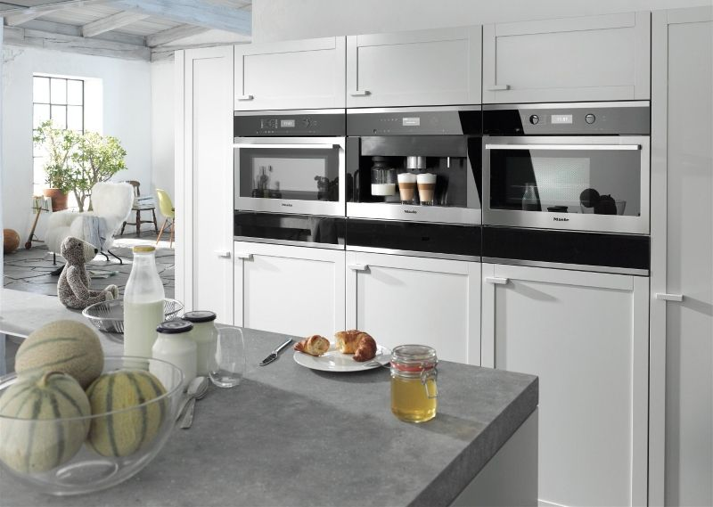 Trends In Keukenapparatuur : Apparatuur in de achterwand bij voorkeur op armhoogte keuken