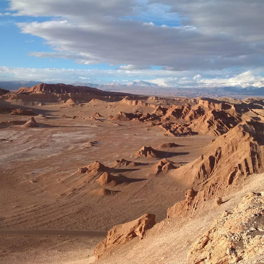 Waiting For The Sunset In Valle De La Luna On Atacama Desert In Chile Valle Luna