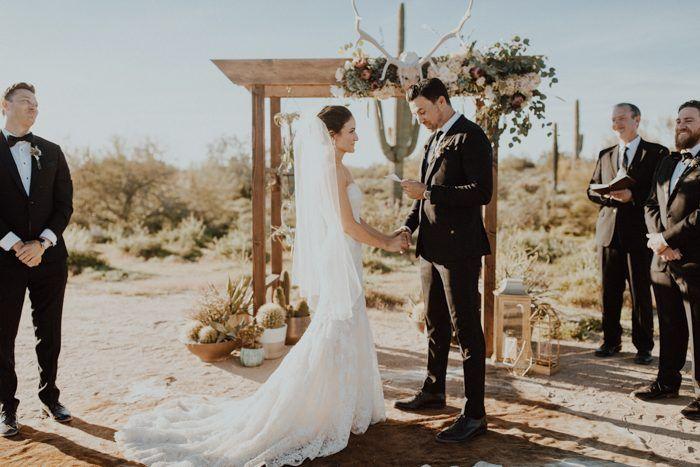 77d943b55035 Southwestern Glam Scottsdale Wedding at Desert Foothills