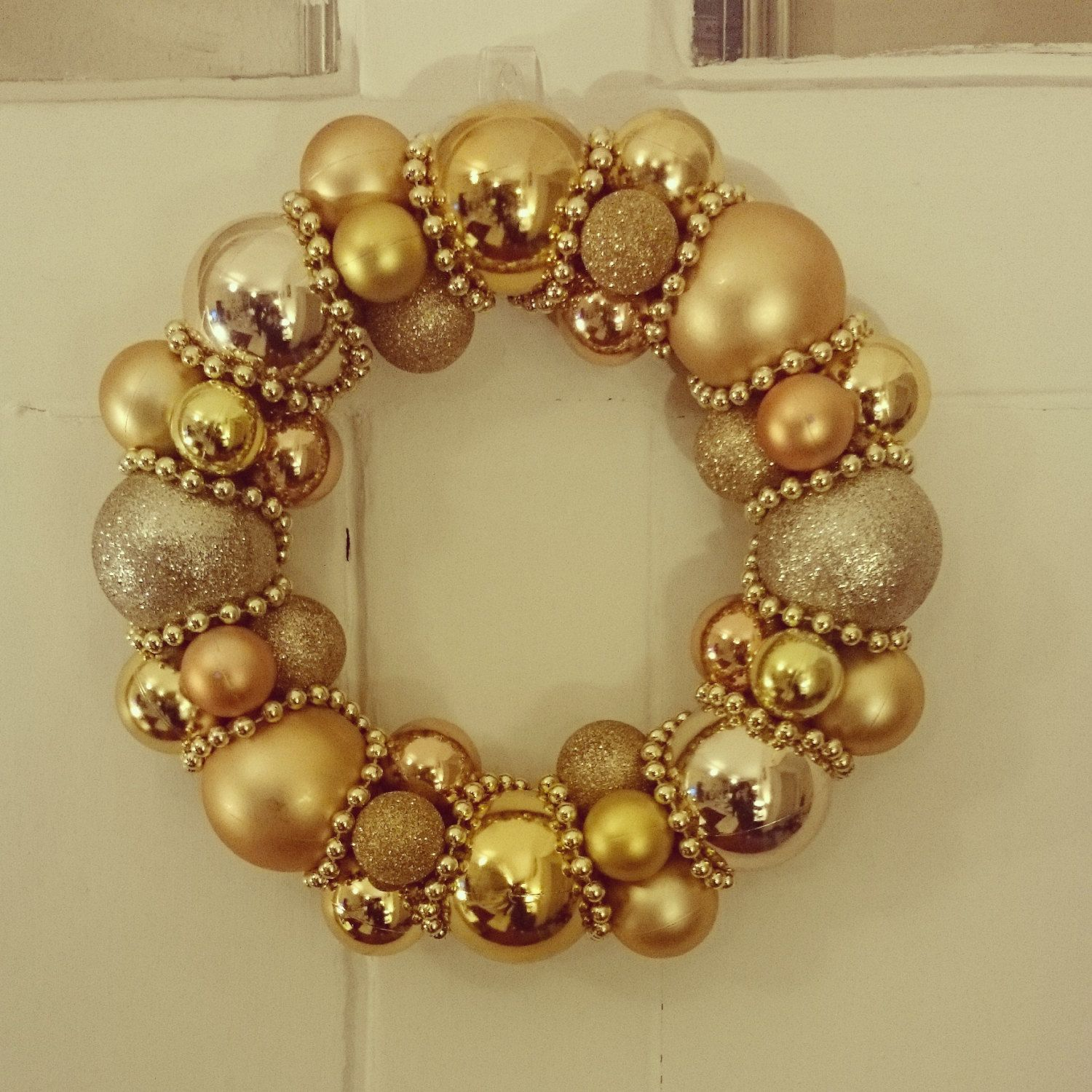 Items similar to Gold Christmas Bauble Wreath Decoration on Etsy
