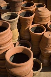 How To Drill Holes In A Terra Cotta Pot Ehow Terracotta Pots Terra Cotta Pot Projects Clay Pots