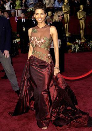 Academy Awards Countdown Steal Halle Berry39s Oscar Winning Abs  Iconic  dresses Best oscar dresses Oscar dresses