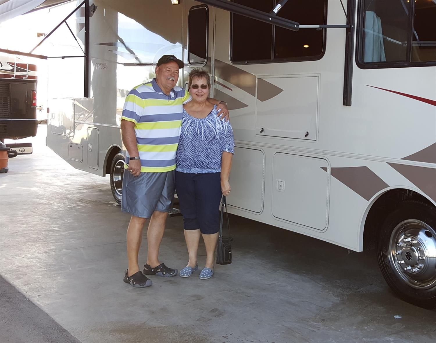 GLENN AND LESLIE's new 2016 WINNEBAGO VISTA 31BE! Congratulations and best wishes from Affinity RV and John Watters.