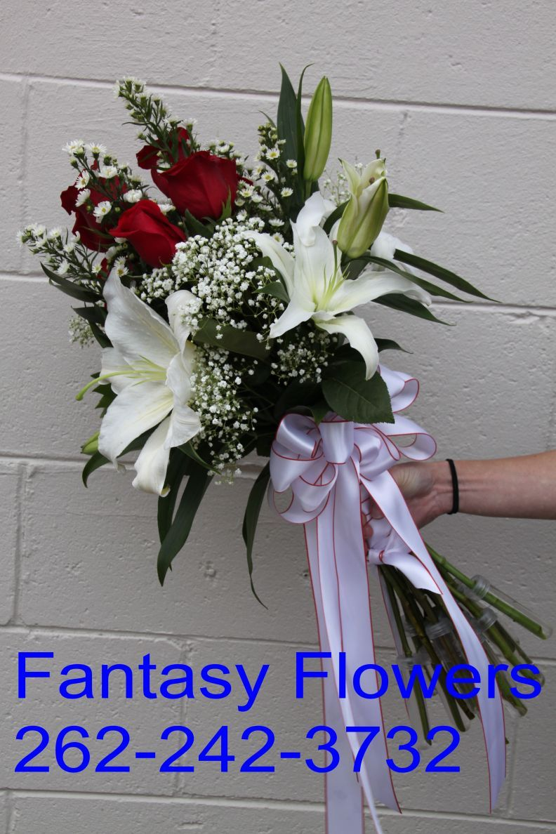 Homecoming queens bouquet prom fantasy flowers 106 e freistadt homecoming queens bouquet prom fantasy flowers 106 e freistadt road thiensville wi 262 242 3732 izmirmasajfo