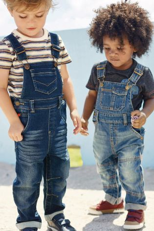 Dungarees are such an easy outfit to put together for your little boy! And itu0026#39;s extremely trendy ...