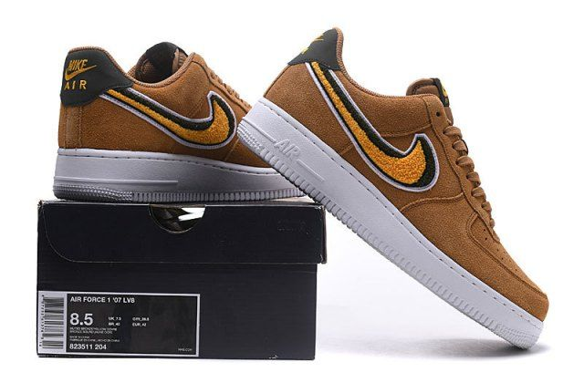 huge selection of f9b68 45f5a Nike Air Force 1 07 LV8