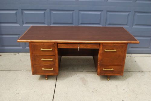 Vintage Mid Century Large Executive Desk With Original Key Jasper Furniture Co Executive Desk Desk Furniture