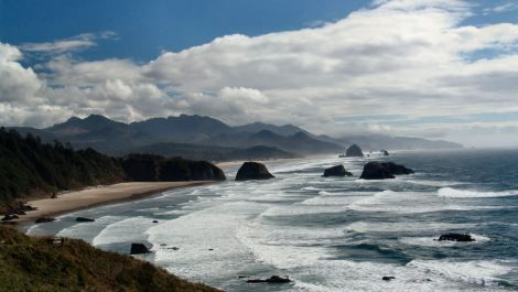 Wave energy finally gets its day in the water off the Oregon coast