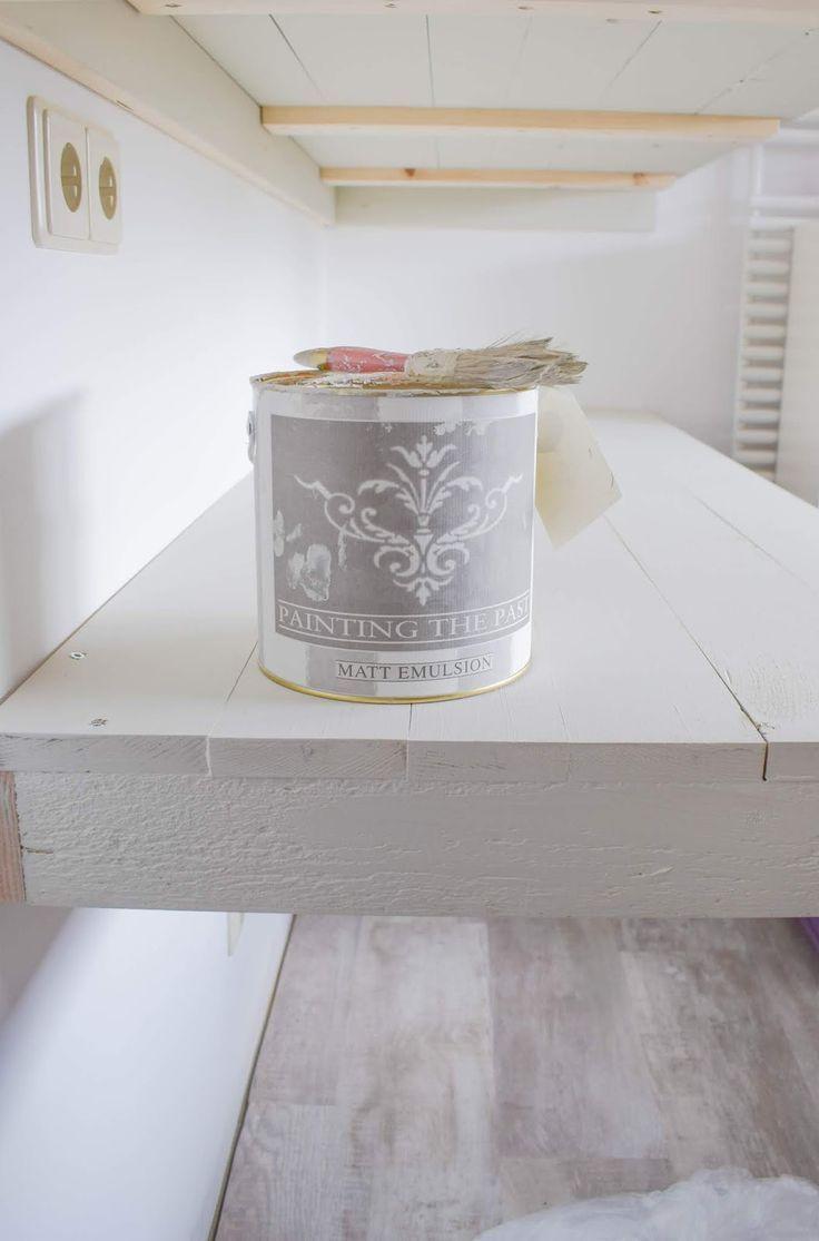 Streichen mit Kreidefarbe von Painting the Past. Wandfarbe, Möbelfa ...