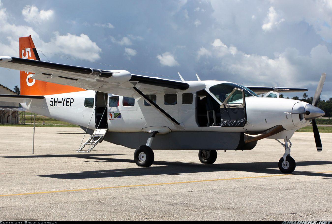 Cessna 208B Grand Caravan aircraft picture Cessna, Grand