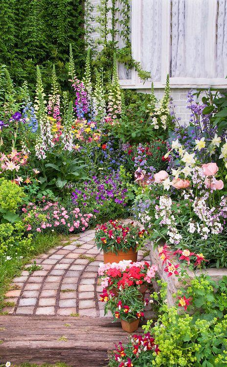 Cottage Garden Full Of Perennial Flowers Plant Flower Stock Photography Gardenphotos Com Cottage Garden Front Yard Garden Cottage Garden Design