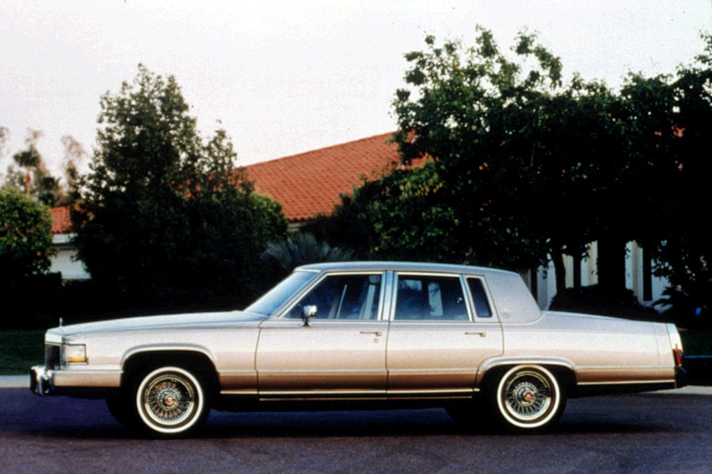 Exclusive 1990 92 Cadillac Brougham Review From Consumer Guide Auto Includes Yearly Updates Specifications Road Test Ratings And Trouble Spots