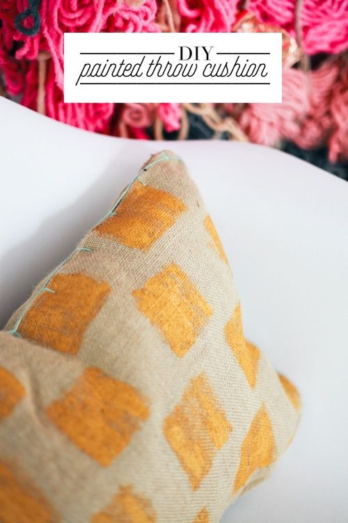 DIY Brush Stroke Throw Cushion (made from a tote bag) // treasures & travels