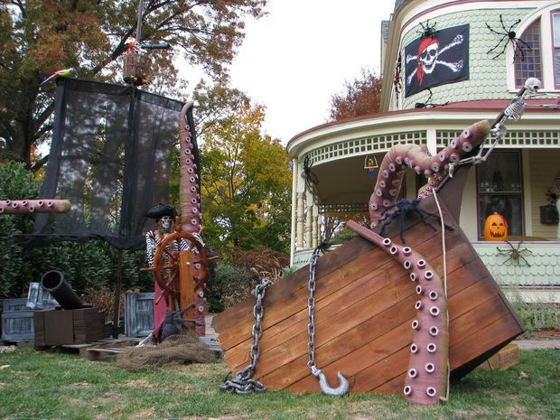 Kraken Tentacles and a Ship for Them to Destroy!!! Yard Haunts