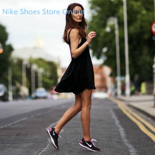 Like a pair of shoes will have a lot of reasons, this site's shoes I like it very much. Popular, fashion, good quality but low price. some even only $19, very surprise.