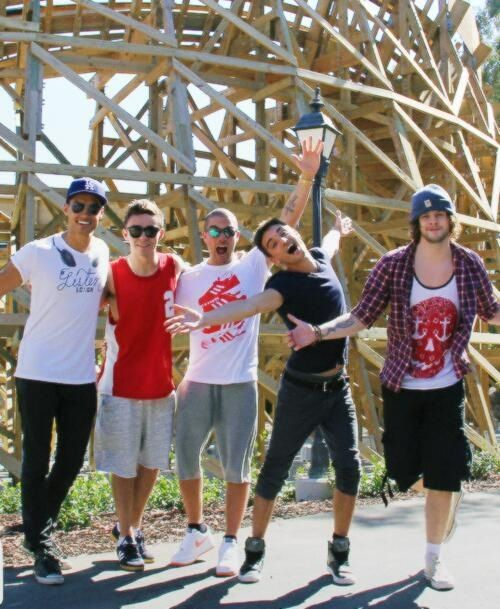 Siva and Nathan: say cheese Max: picture!!!! Tom: it's a broadway show!! Jay: hug?
