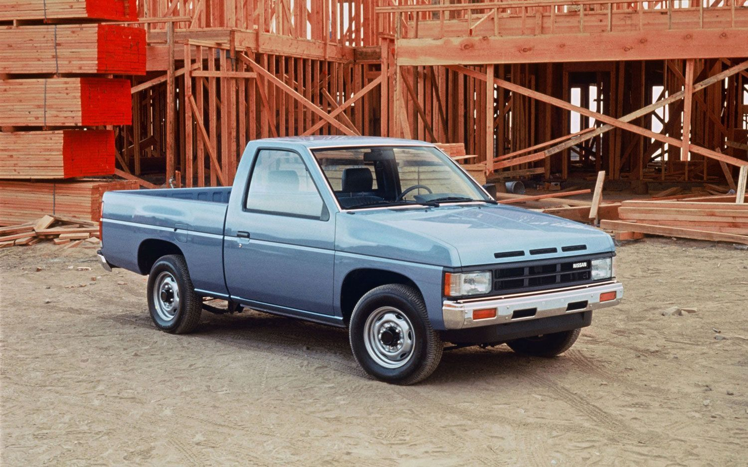 Nissan Small Truck Pickup Trucks Check More At Http Besthostingg