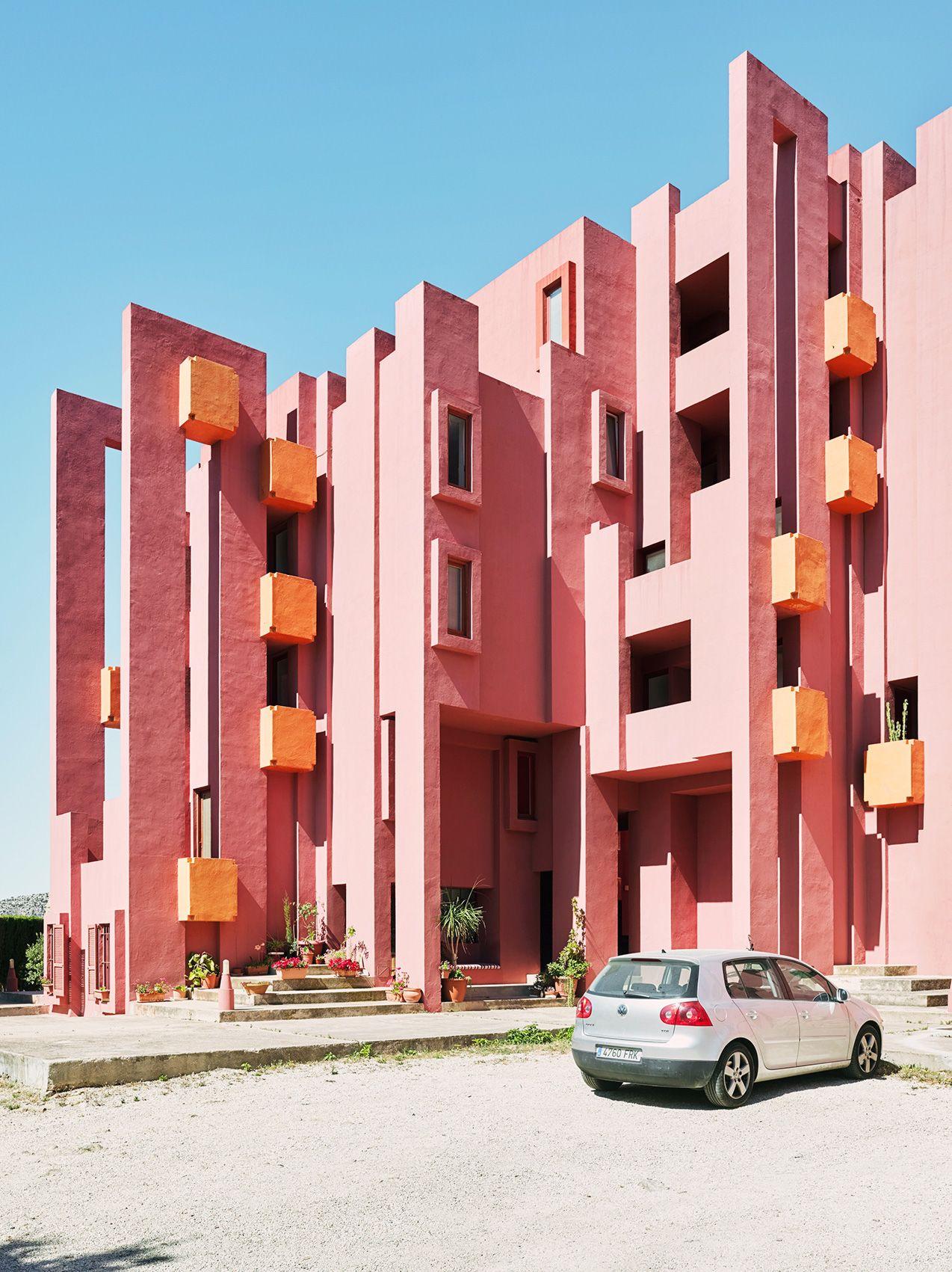 Ricardo Bofill\'s La Muralla Roja Housing Project in Spain | The ...