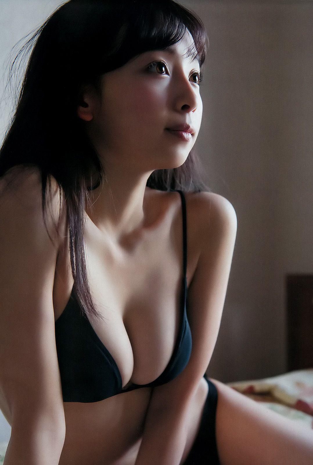 華村あすか (Asuka Hanamura) (Actress)