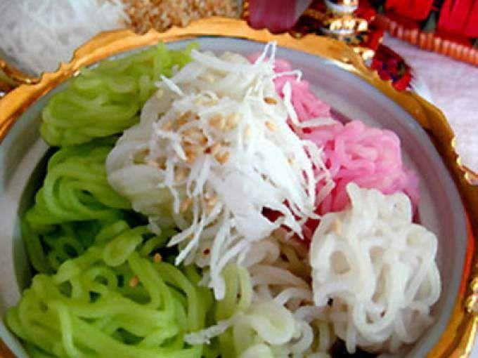 Khanom Ray Rai Rice Thread With Coconut Meat Recipes Thai Dessert Asian Recipes
