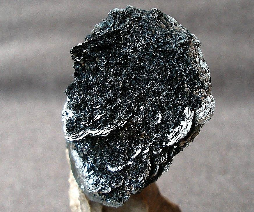 Hematite (Var: Iron Rose) on limestone from Latores Quarry, Spain