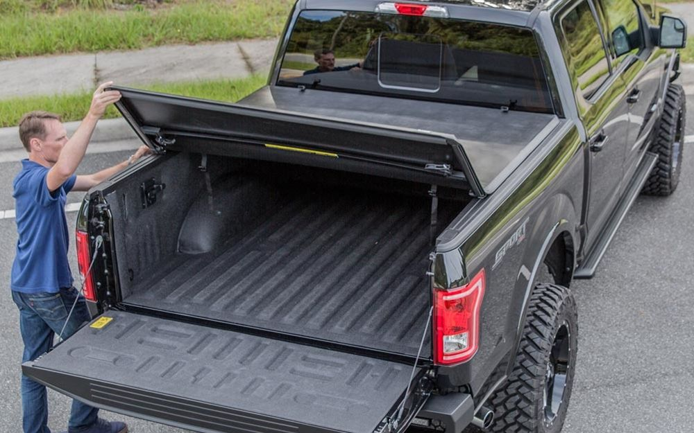 Gator TriFold Tonneau Cover Folding Cover, Video