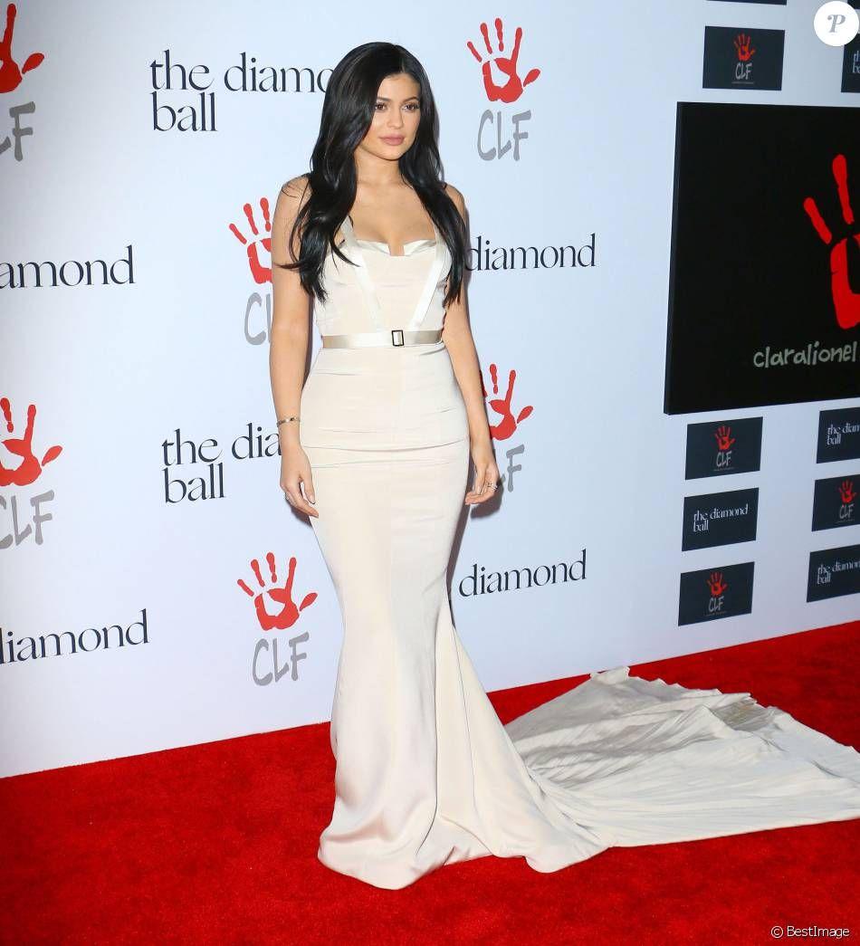 """Kylie Jenner - Soirée de la 2ème édition du """"Diamond Ball """" à Santa Monica le 10 décembre 2015."""