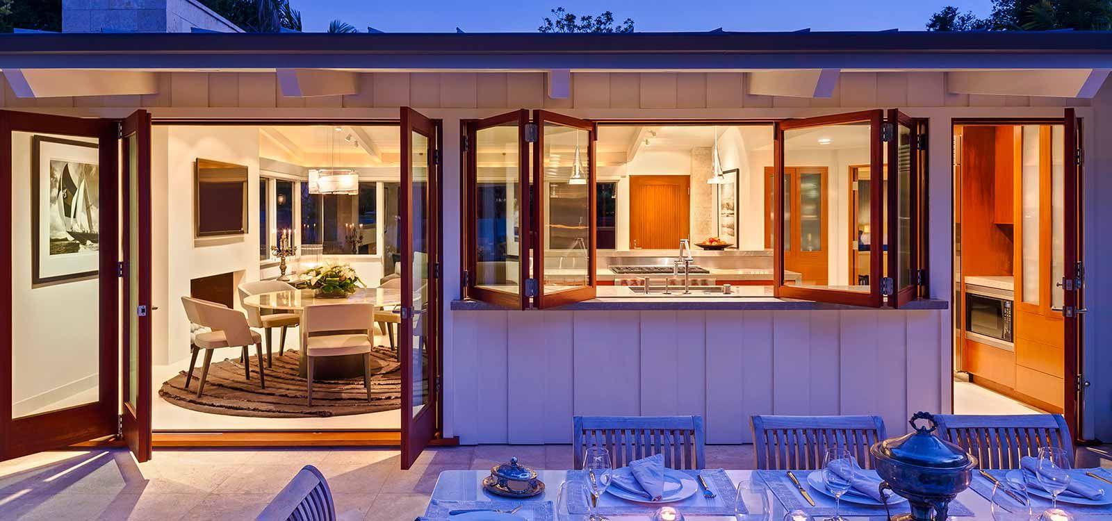 Desain Rumah Bergaya Villa