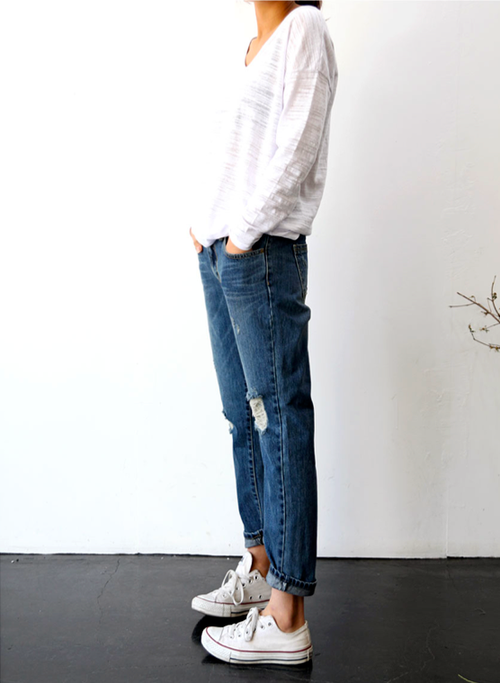 textured white top / Converse / rolled distressed denim