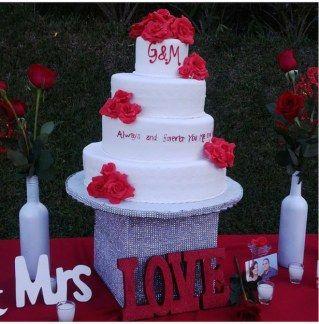 Ideias incríveis para a sua mesa de bolo de casamento