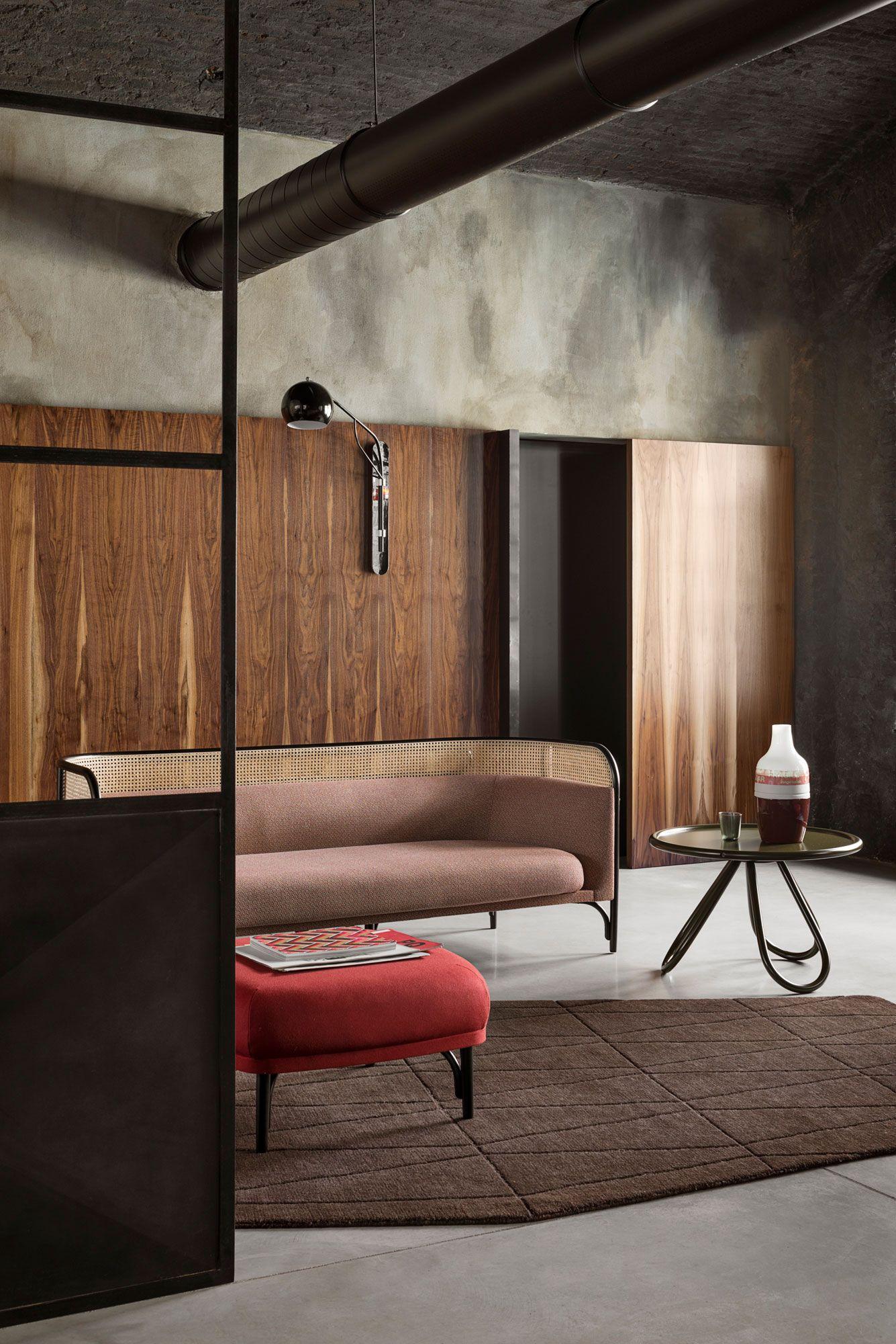 Gebruder Thonet Vienna, TARGA Sofa 200 Design by GamFratesi | Yellowtrace