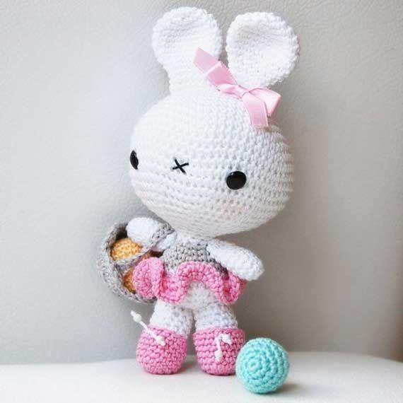 Ballerina Bunny amigurumi pattern by Pepika | Conejo