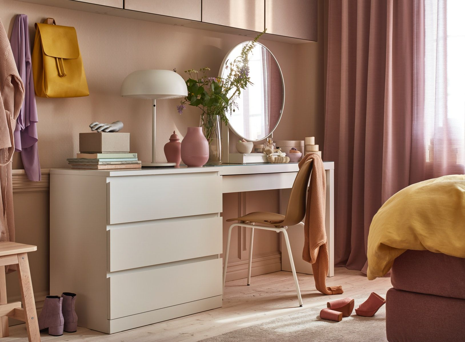 Because the MALM chest of drawers and MALM dressing