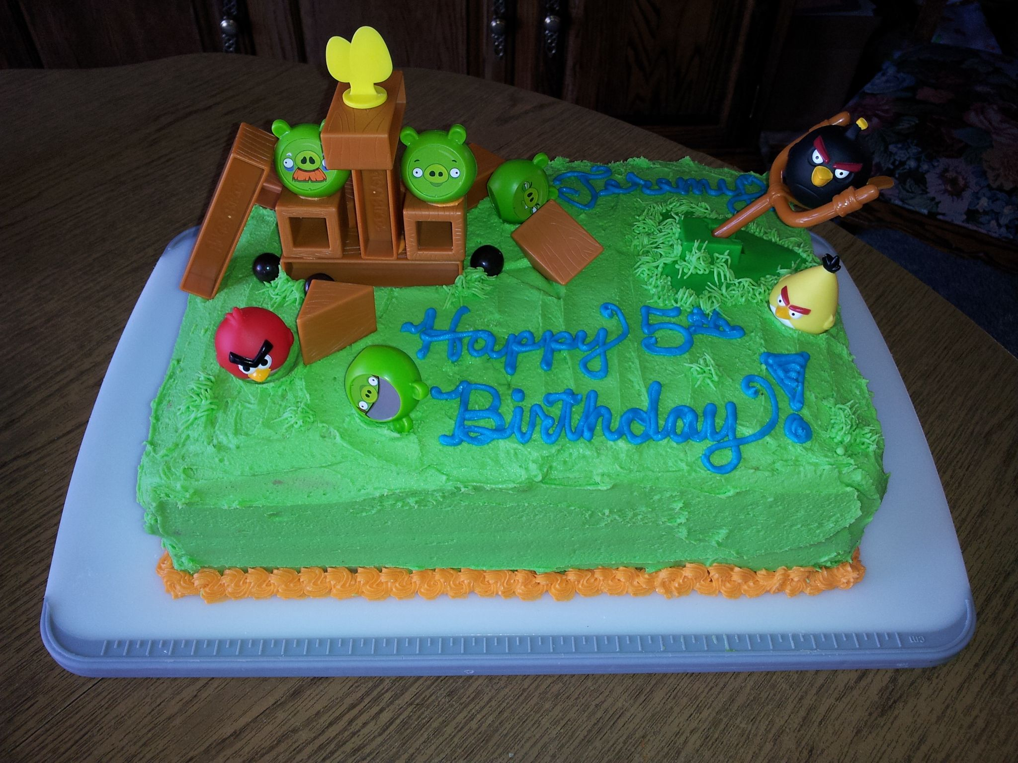 Easy Angry Bird cakepieces from the board game on a 14 sheet