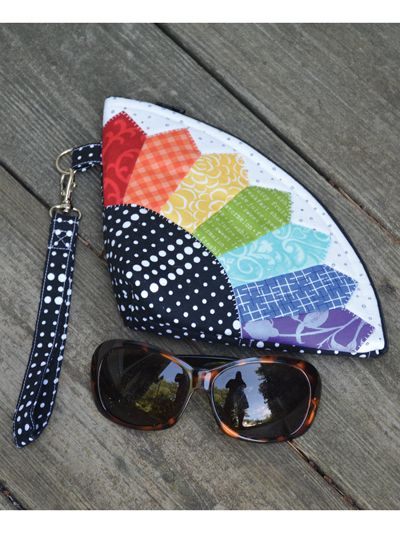 Petal Pouch Sewing Pattern   Patchwork   Pinterest