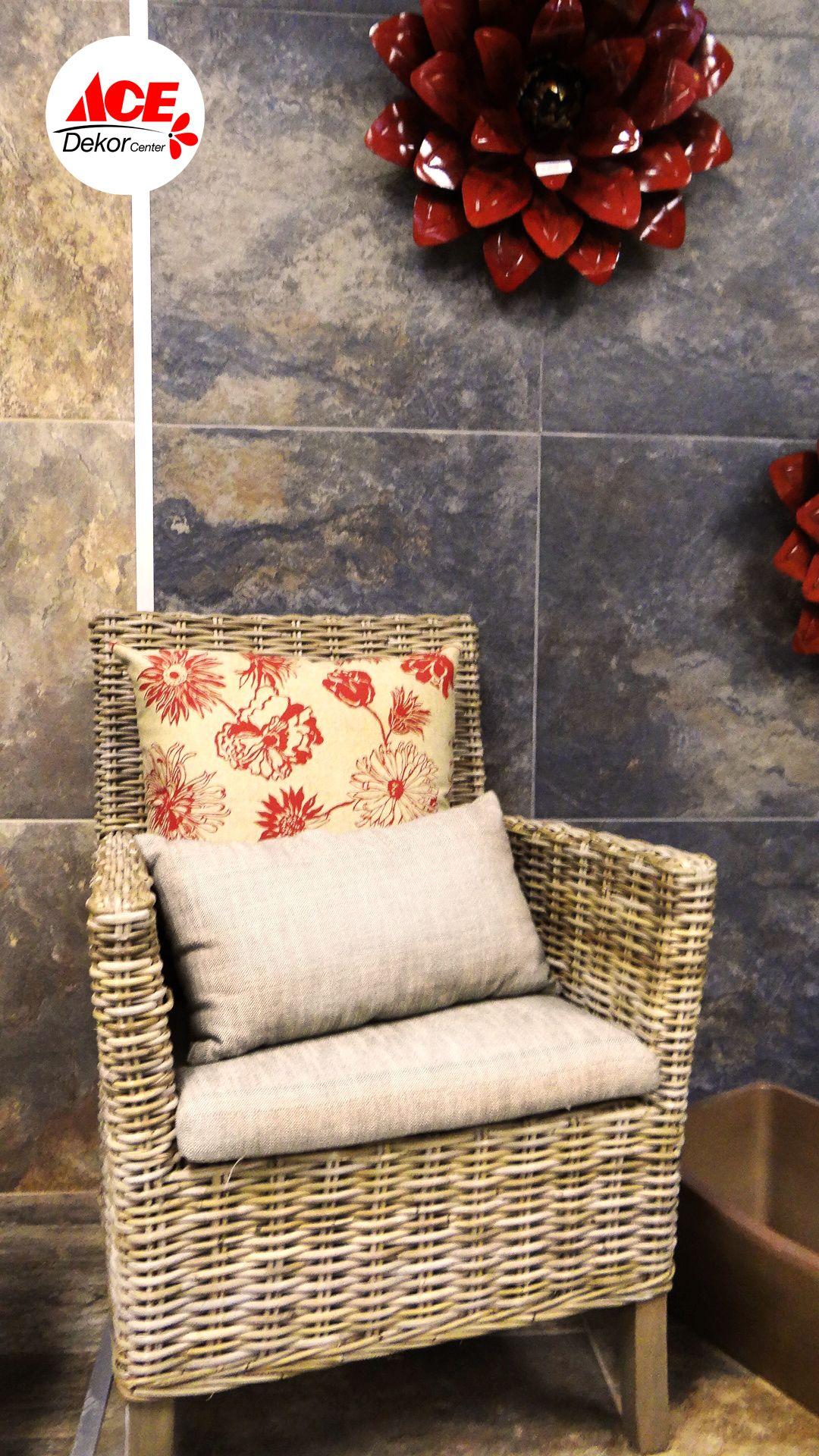 Los muebles de mimbre darán un toque cálido a tu jardín ademas de ...