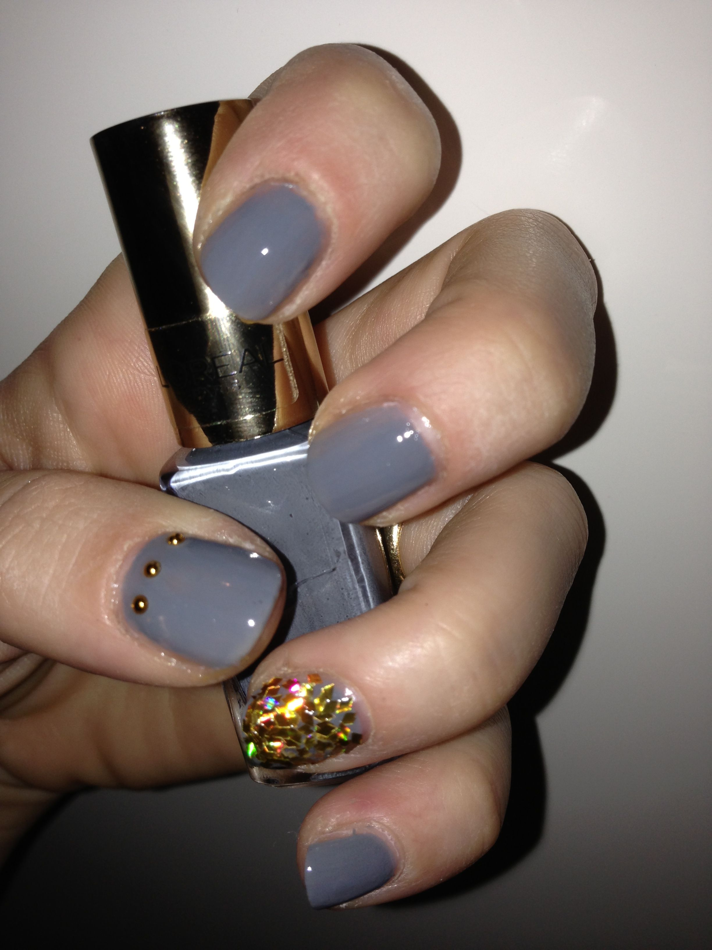 Grey+Gold Nails - Nail polish L\'oreal color riche 604 Metropolitan ...