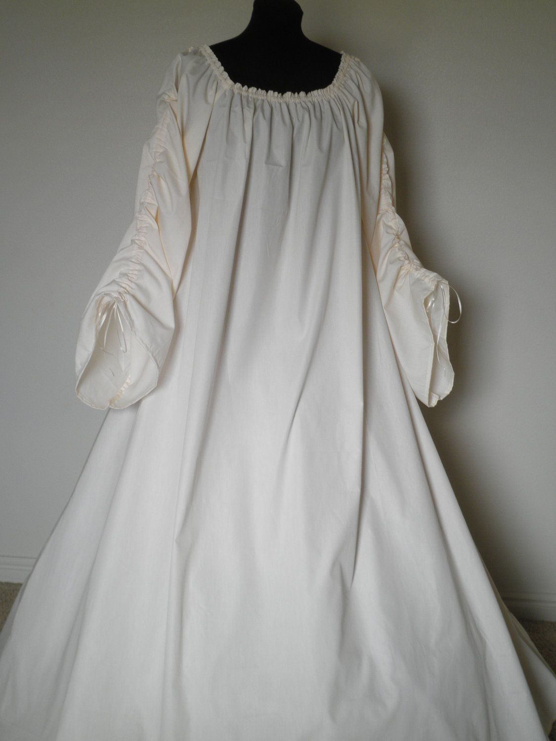 Full-length Beautiful Irish Leine Chemise Renaissance Under Dress ...