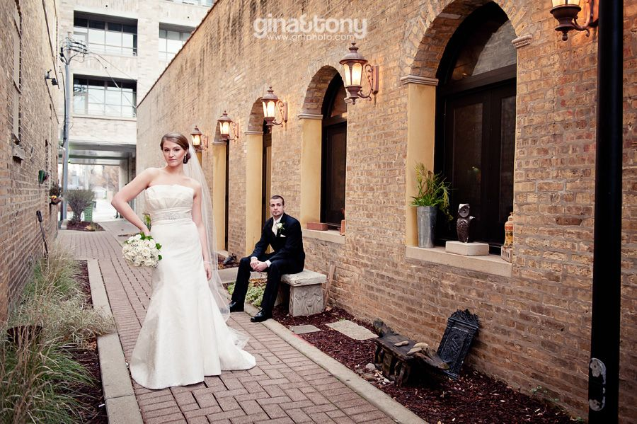 Chicago Wedding Photos At The Holiday Inn Merchandise Mart Ceremony Was First Presbyterian Church In Arlington Heights
