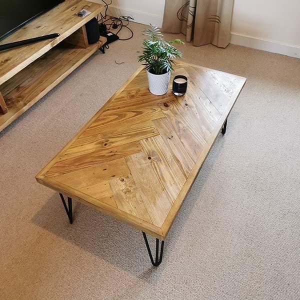 Herringbone Design Reclaimed Wood Coffee Table Industrial Style - 90x60 / GOLD - £30